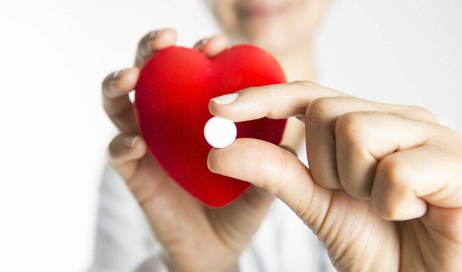 Aspirin je pro kardiaky nezbytný. Vědce ale překvapilo jak moc