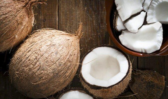 Kokosový olej: Užitečný pomocník pro vaše tělo, při vaření i pro domácí mazlíčky
