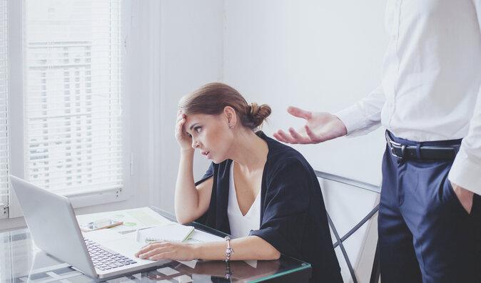 Takhle trpí vaše tělo, když nenávidíte svou práci