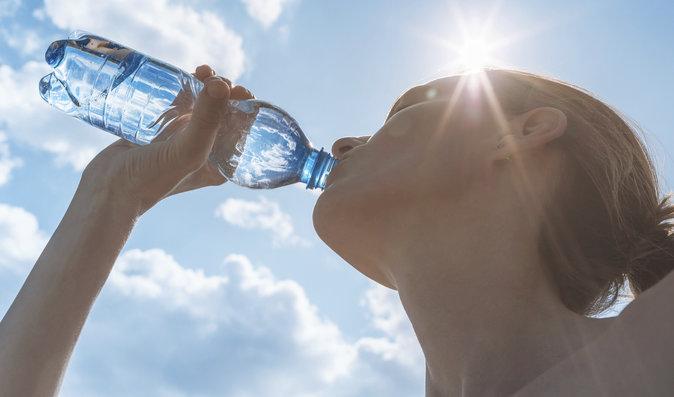 Sedm tipů, jak se rychle a zdravě zchladit, když je venku tropické horko