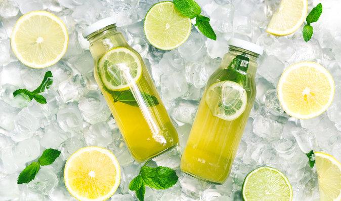 Voda s citronem: Co se stane s vaším tělem, pokud ji budete pít každý den