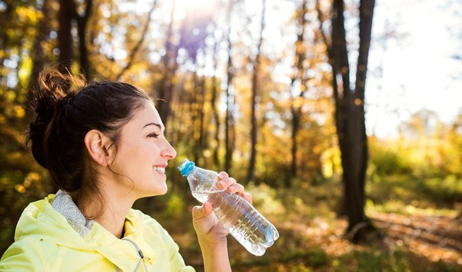 Kolik vody denně vypít? Vzimě překvapivě stejně jako v létě