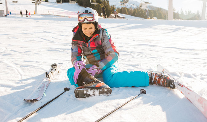 Jaké jsou typické úrazy lyžařů a proč je dobré je léčit moderně