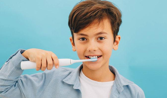 Dokonalá domácí dentální hygiena? Sonické kartáčky a ústní sprchy Dr. Mayer!