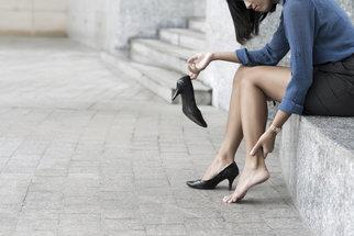 Zdravé nohy? Vsaďte na správnou obuv a chůzi naboso v přírodě!