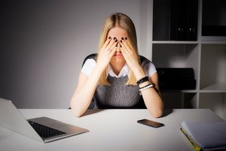 Při premenstruačním syndromu pomůže i homeopatie