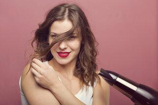 Suché vlasy? Zkuste těchto deset kroků, aby byly zase lesklé, bohaté a zdravé