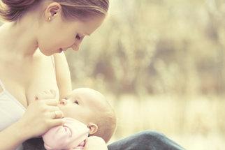 Změny po porodu: Jak na problémy s kojením, psychikou, při sexu a další potíže?