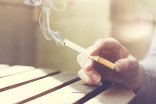 Sekněte s cigaretou, než cigareta sekne s vámi