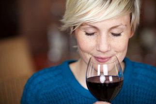 Překvapivé tipy, jak povzbudit svou imunitu. Pomůže líbání, víno i hudba
