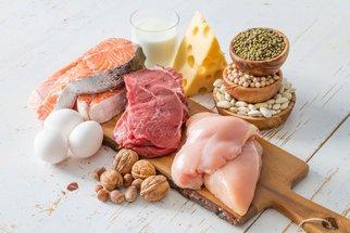 Jak zvýšit příjem bílkovin během dne a zhubnout? Jezte podle našeho jídelníčku