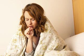 Jak vyléčit kašel bez antibiotik a sirupů z lékárny?