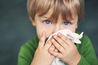 Nemocných s chřipkou stále přibývá. Bude epidemie? Jak se proti ní chránit?