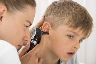Za vady řeči u dětí mohou i záněty středního ucha