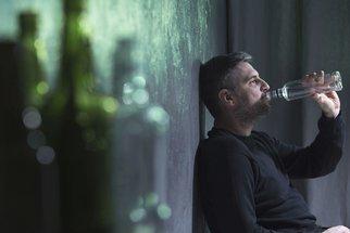 Jak poznat závislost na alkoholu u sebe nebo u svých blízkých?