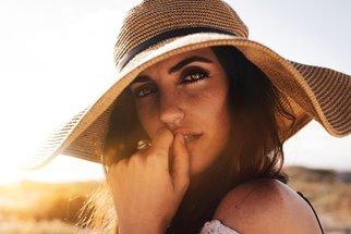 V Česku přibývá rakoviny očí, na vině je slunce, ale i umělé osvětlení