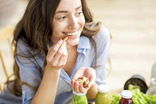Sedm jídel, která vám pomohou, když máte nafouklé břicho