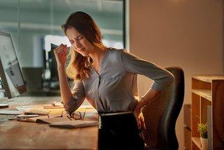 Bolí vás záda? Vyvarujte se těchto 10 chyb, které děláte každý den!