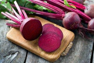 Proč jíst červenou řepu? Protože je zdravá a dobrá. Jen ne pro každého