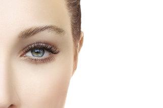 Rizika umělých řas: Hrozí alergie i poškození zraku!