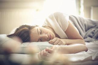 Vitamíny a minerály, které potřebujete pro kvalitní usínání a spánek. Kde je najdete?