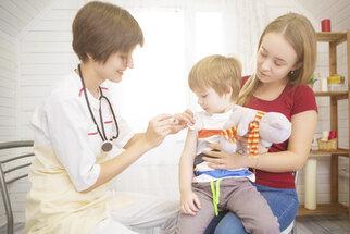 Záškrt: S nižší proočkovaností nově stoupá riziko nemoci. Proč se tak těžko léčí?