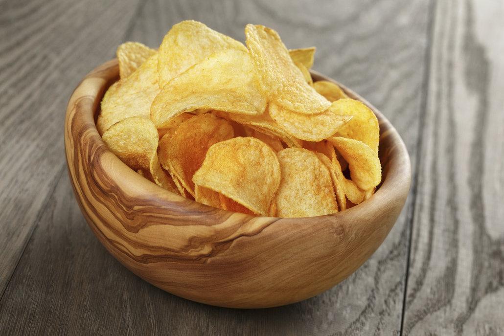 Chipsy bez oleje vykouzlíte doma za pár minut.
