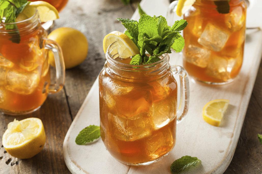 Nejlepší letní osvěžení? Ledový čaj!
