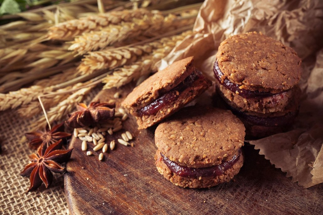 Čokoládové, ovocné, se semínky, spojené marmeládou… ovesné cukroví chutná vždycky