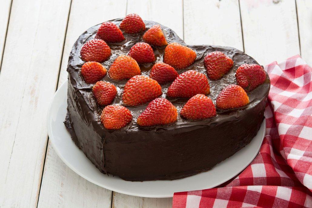 Čokoláda, jahody a špetka lásky – všechno, co potřebuje valentýnský dort k dokonalosti