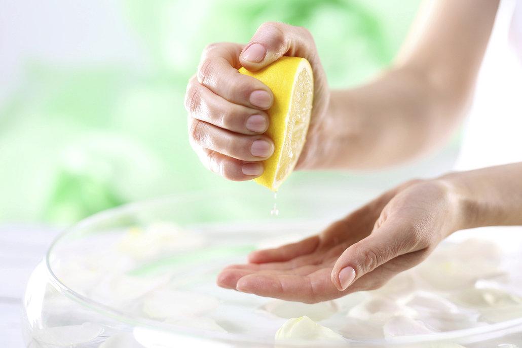 Citronová šťáva neutralizuje pachy