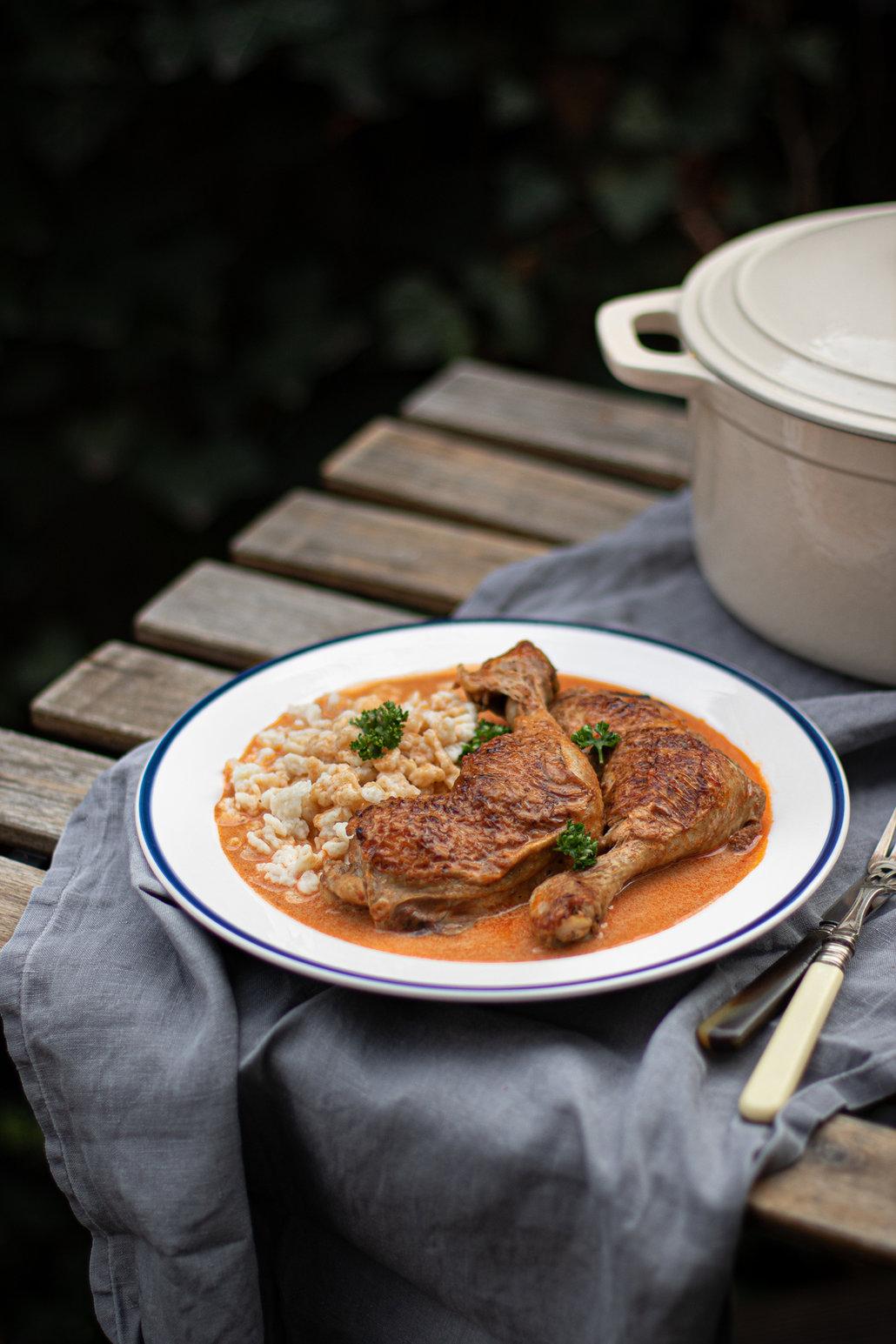 Kuře na paprice podle pravého maďarského receptu.
