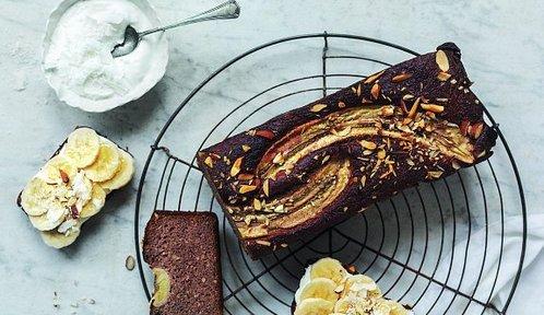 Recepty na sladké chlebíčky: Borůvkový se špaldou, banánový nebo citronový s mandlovou moukou