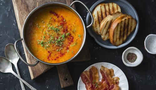 Luštěninové polévky, které zahřejí: 5 receptů, které vám zpestří podzim