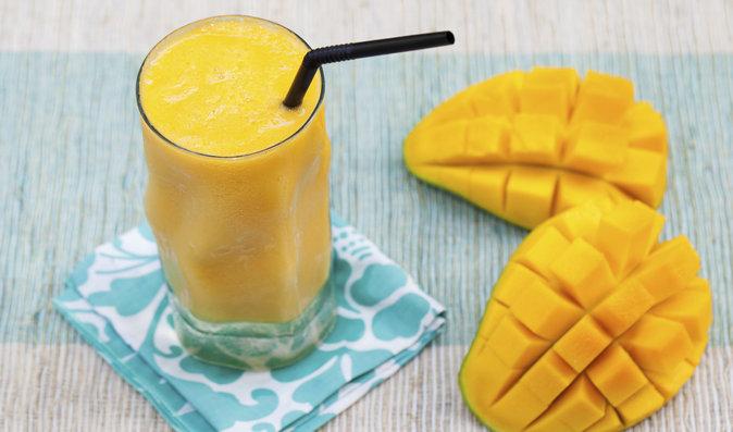 Smoothie ovoce mango