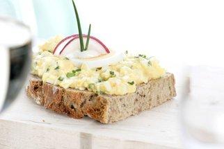 V hlavní roli vajíčka: Vyzkoušejte pomazánku nebo plněná i ztracená vejce