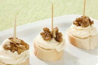 Pomazánky na chlebíčky a jednohubky: 7 rychlých receptů