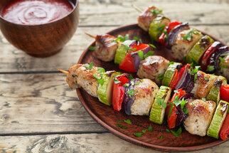 Dietní grilování? 7 tipů, jak si ho užít a zároveň jíst zdravě