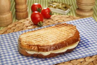 Tvrdé rohlíky a okoralý chléb? Víme, co s nimi!