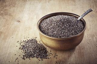 Chia semínka: Jak je správně používat, aby nám neškodila?