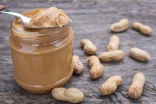 Arašídové máslo – nejlepší je domácí a hodí se nejen do dezertů