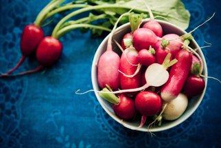 Ředkvičky na sedm způsobů: Zkuste recept na pomazánku či ředkvičky s vajíčkem