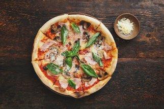 Jak na domácí pizzu: Česká klasika s Aničkou