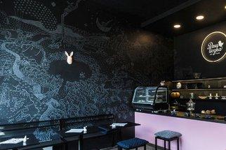 PetPunk: Kavárna v Ostravě, která spojuje výjimečný design, skvělou kávu a domácí pečivo