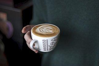 Kavárna U Černého stromu v Ostravě láká fantastickým espressem i pozdní snídaní