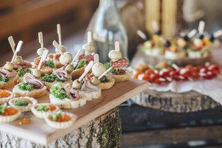 Silvestrovské recepty, bez kterých se neobejdete: Rybí, česneková i budapešťská pomazánka