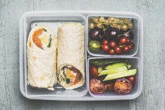 Oběd do krabičky: Recepty na slané palačinky, sendviče i tortilly