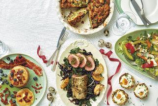Brunch podle časopisu F.O.O.D. To jsou bramborové košíčky i lívance s medovou slaninou