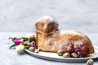 Velikonoce: Recepty, které musíte zkusit. Nadýchaný mazanec, jidáše i vajíčkový salát