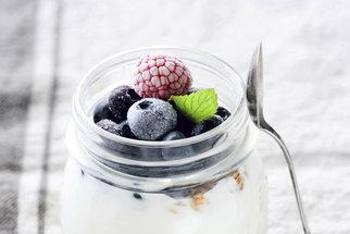 Domácí jogurt bez jogurtovače: Je to jednodušší, než jste si mysleli